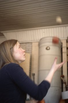 Ylva jonglerar